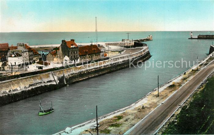 13538198 Dieppe_Seine-Maritime Entree du Port Dieppe Seine-Maritime