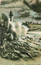 13547208 Dieppe_Seine-Maritime Le Phare un jour de tempete Dieppe Seine-Maritime