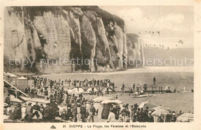 13551691 Dieppe_Seine-Maritime La plage les falaises et l\'Estacade Dieppe Seine-