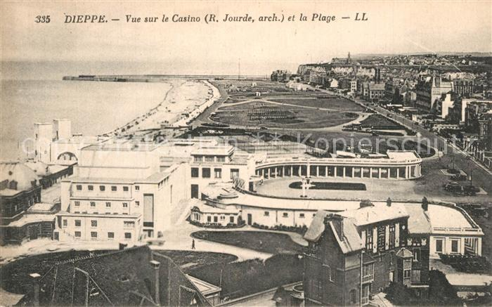 13558179 Dieppe_Seine-Maritime Vue sur le casino et la plage Dieppe Seine-Mariti